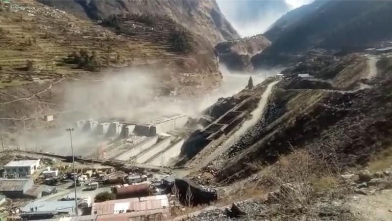 Vỡ sông băng ở Himalaya, có thể 150 người đã chết - ảnh 1