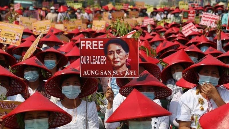 18 người chết - ngày biểu tình đẫm máu nhất ở Myanmar - ảnh 6
