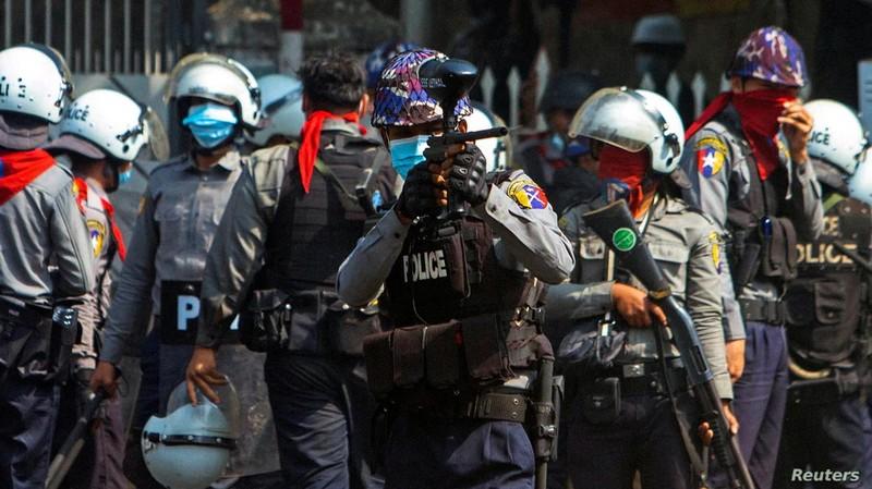 18 người chết - ngày biểu tình đẫm máu nhất ở Myanmar - ảnh 3