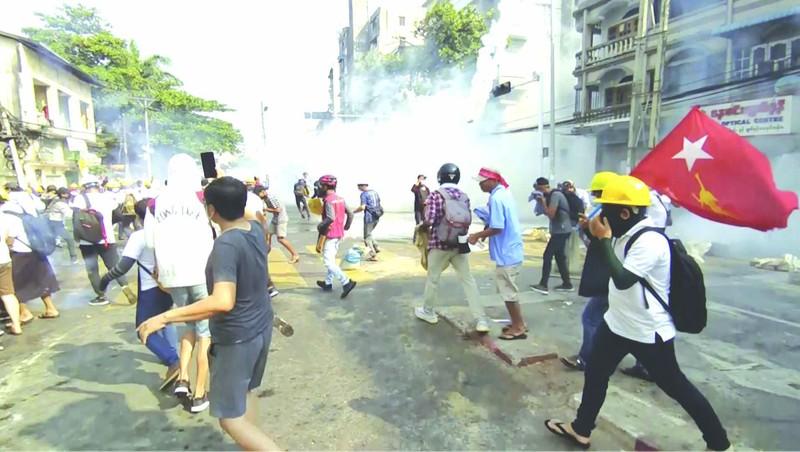 18 người chết - ngày biểu tình đẫm máu nhất ở Myanmar - ảnh 2