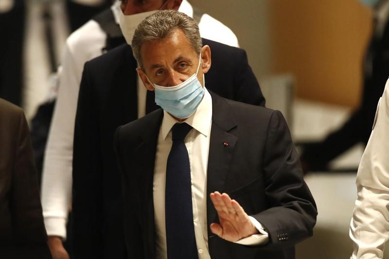 Cựu Tổng thống Pháp Sarkozy bị 3 năm tù vì tội tham nhũng - ảnh 1