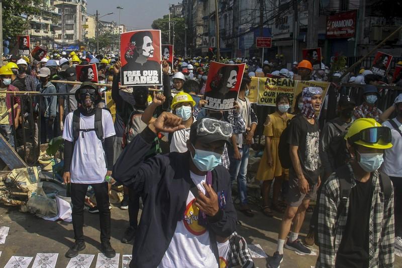 ASEAN chính thức họp về khủng hoảng Myanmar, kêu gọi hoà bình - ảnh 1