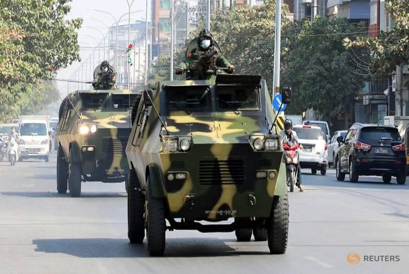 Mỹ đóng băng tài khoản 1 tỉ USD của quân đội Myanmar - ảnh 1