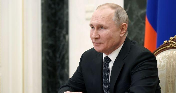 Ông Putin gửi lời cảm ơn phái nữ nhân ngày Quốc tế Phụ nữ - ảnh 1