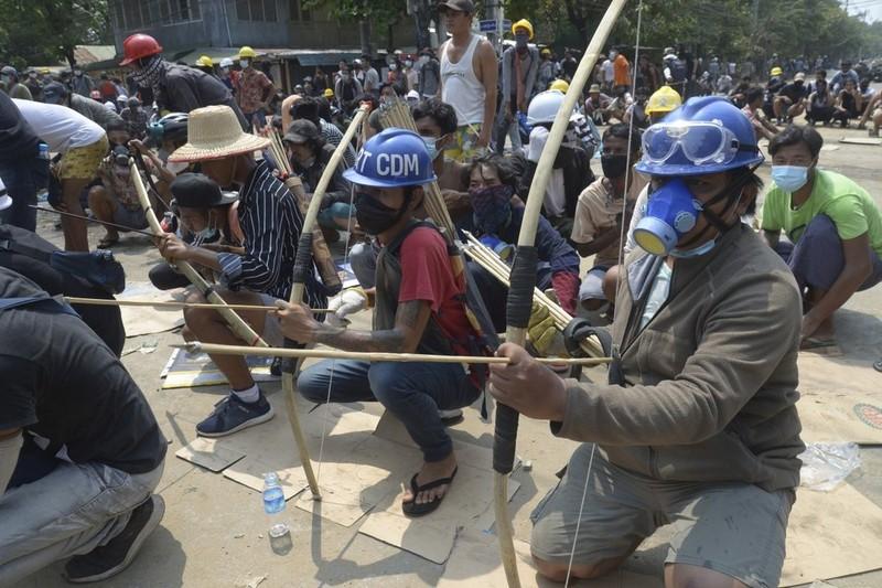 SCMP: An ninh Myanmar xả súng vào đám tang người biểu tình - ảnh 3