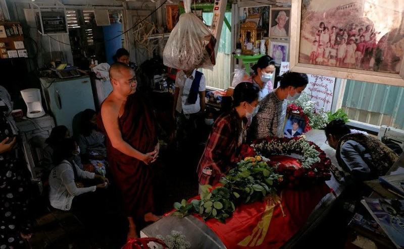SCMP: An ninh Myanmar xả súng vào đám tang người biểu tình - ảnh 1