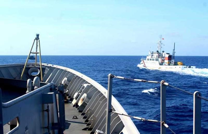 Chuyên gia hiến cách ASEAN đối phó tàu TQ tại Biển Đông - ảnh 1