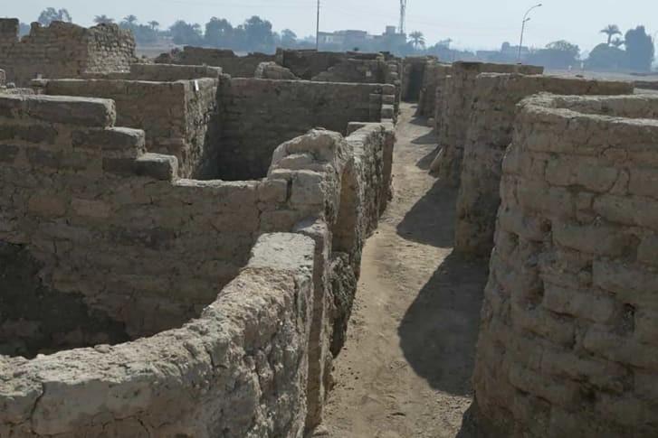 Phát hiện thành phố cổ đại lớn nhất Ai Cập - ảnh 1