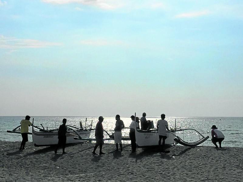 Ngư dân Philippines than phiền về hành vi 'lạ' của tàu cá TQ - ảnh 1