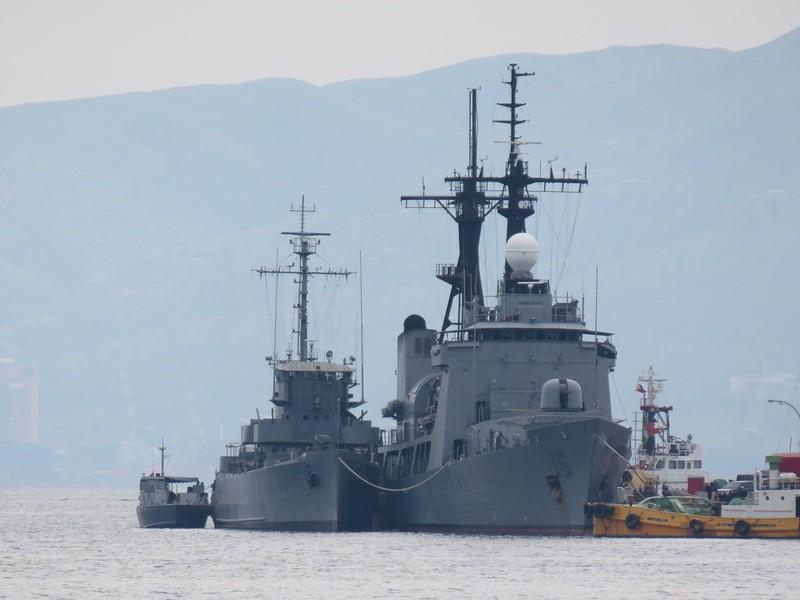 Biển Đông: Philippines điều tàu, máy bay đến gần các tàu TQ - ảnh 1