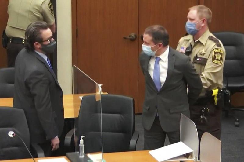 Toà Mỹ tuyên cảnh sát da trắng ghè cổ ông Floyd tội giết người - ảnh 1