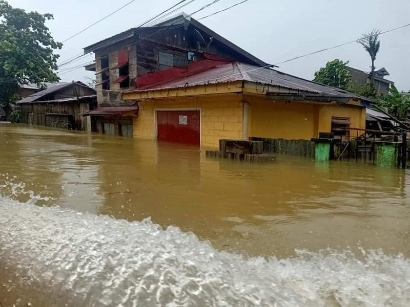 Philippines thiệt hại hơn trăm tỉ đồng do siêu bão Surigae - ảnh 2