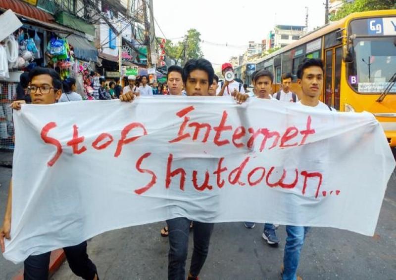 Myanmar cấm truyền hình vệ tinh hoạt động vì lo ngại an ninh - ảnh 1