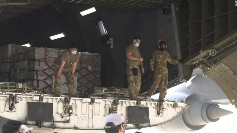 CNN: Viện trợ y tế ứ ở sân bay Ấn Độ dù bệnh viện đang thiếu - ảnh 2