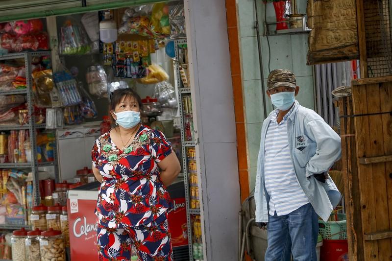 TP.HCM: Phun xịt khuẩn, phong tỏa đường Hồ Thị Kỷ - ảnh 9