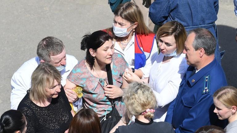 Nga: Thanh niên 19 tuổi xông vào trường học bắn chết 7 trẻ em  - ảnh 5