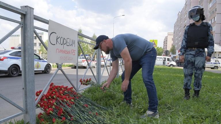 Nga: Thanh niên 19 tuổi xông vào trường học bắn chết 7 trẻ em  - ảnh 6