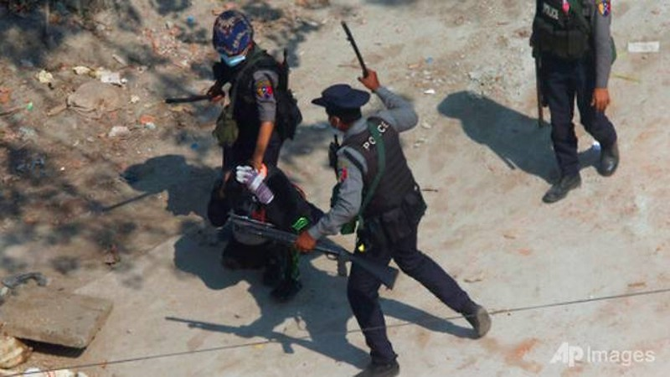 Hôm nay ĐHĐ LHQ bỏ phiếu ngưng chuyển vũ khí cho Myanmar - ảnh 2