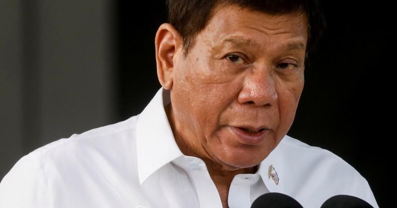 Ông Duterte cấm nội các Philippines nói về Biển Đông - ảnh 1