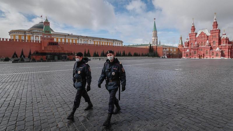 Ca nhiễm COVID-19 tăng vọt, dân Moscow ngưng làm việc 1 tuần có hưởng lương - ảnh 1