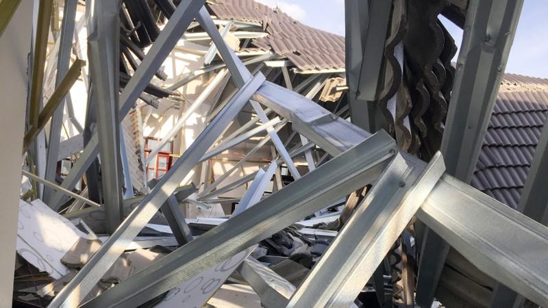 Vụ sập mái hội trường ở Hậu Giang: Đề nghị công an xử lý - ảnh 2