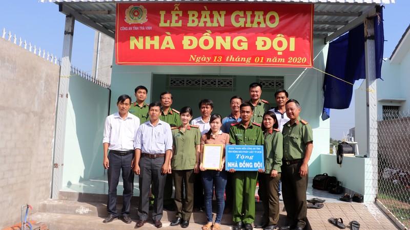 Báo Pháp Luật TP.HCM trao nhà tình thương tại Trà Vinh - ảnh 6