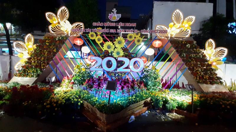 Cận cảnh đường hoa Cần Thơ 2020 trước giờ khai mạc - ảnh 6