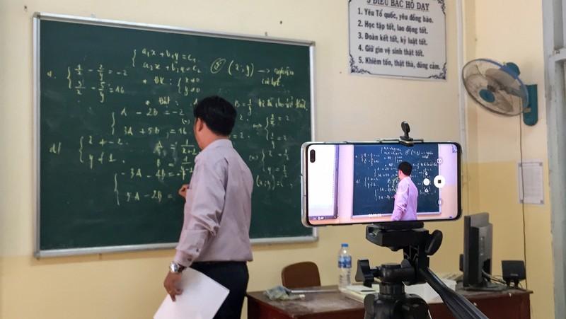 Cần Thơ: Học sinh ôn bài qua mạng, phòng virus Corona - ảnh 5