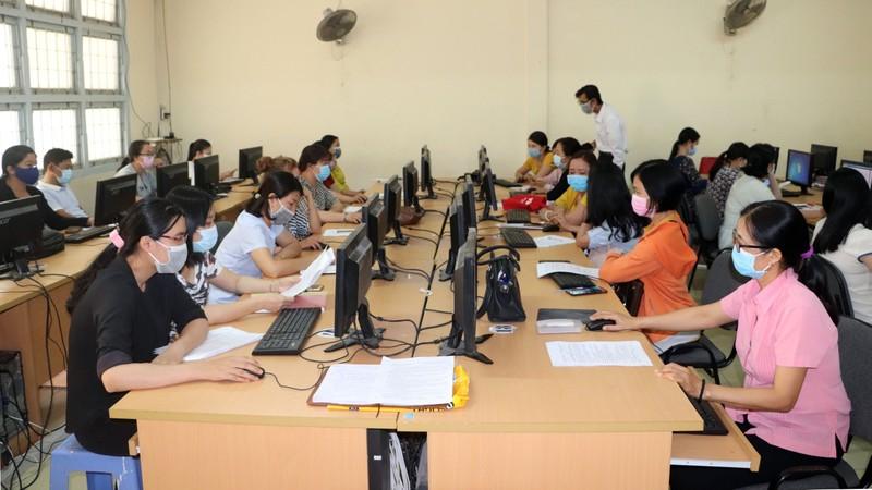 Cần Thơ: Học sinh ôn bài qua mạng, phòng virus Corona - ảnh 1