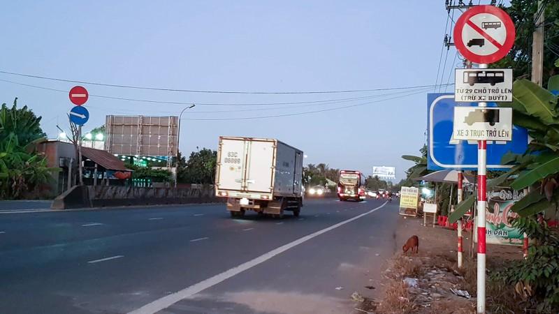 Cấm xe tải từ 3 trục và xe khách từ 29 ghế vào thị xã Cai Lậy - ảnh 1