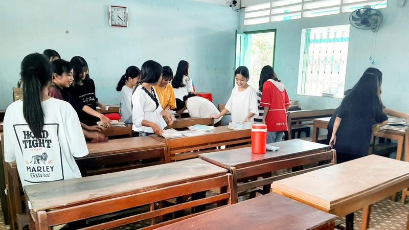Sóc Trăng: Học sinh THPT nội trú trở lại trường  - ảnh 1