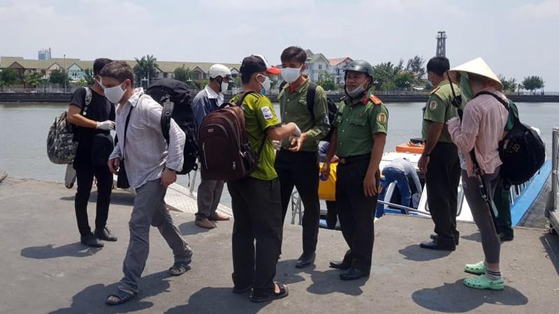 Du lịch bằng phương tiện tự chế, 3 khách Nga gặp nạn - ảnh 1