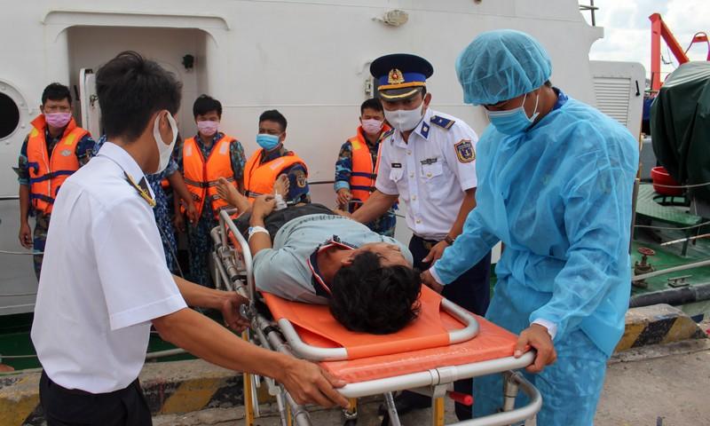 6 thuyền viên ở Kiên Giang bị ngạt khí trong hầm cá - ảnh 1