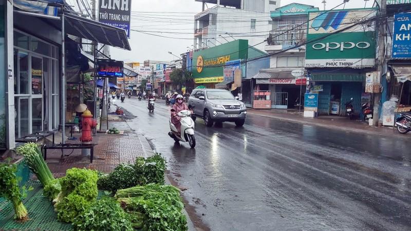 Cần Thơ bất ngờ đón cơn mưa đầu tiên từ sau tết Nguyên đán - ảnh 2