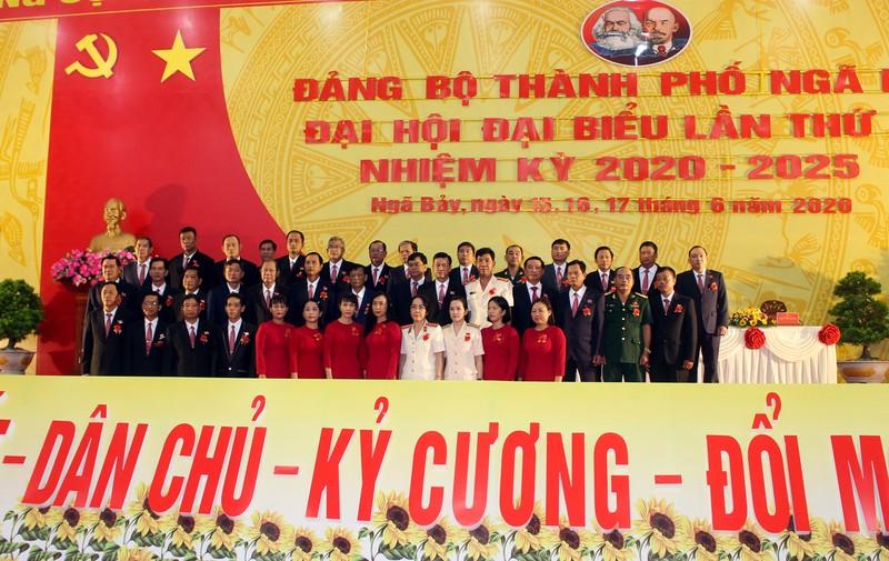 Ông Nguyễn Huỳnh Đức tái đắc cử Bí thư Thành ủy TP Ngã Bảy - ảnh 2