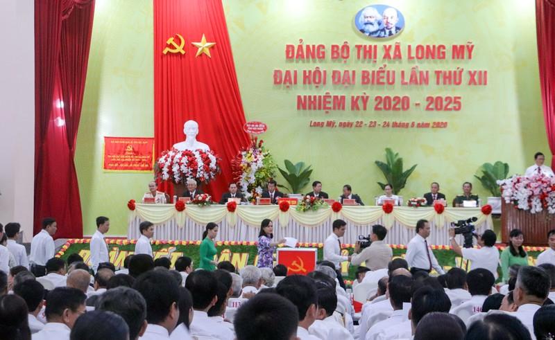 Ông Lê Văn Tông tái đắc cử Bí thư thị xã Long Mỹ - ảnh 1