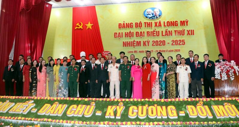 Ông Lê Văn Tông tái đắc cử Bí thư thị xã Long Mỹ - ảnh 2