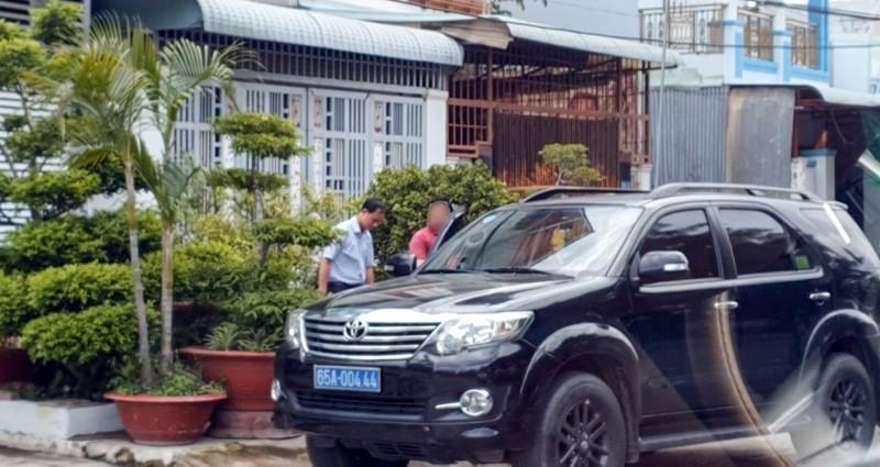 Lý do Phó Giám đốc Văn phòng đăng ký đất đai Bình Thủy bị bắt - ảnh 1