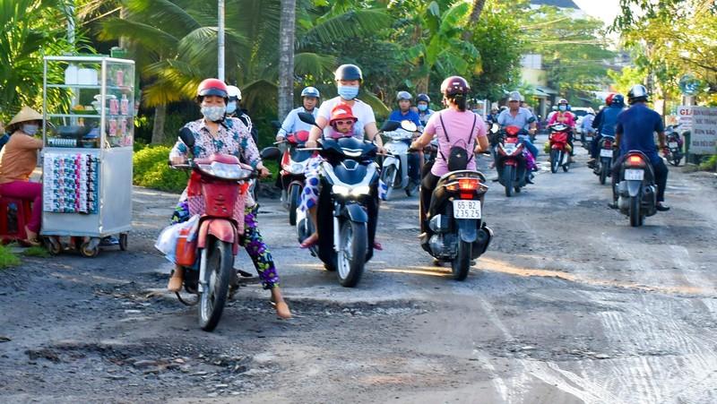 Hoàng Quốc Việt - 'Con đường đau khổ' giữa lòng TP Cần Thơ - ảnh 4