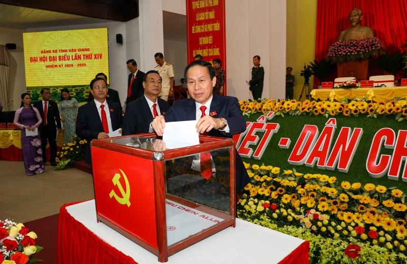 Ông Lê Tiến Châu được giới thiệu tái cử Bí thư Hậu Giang - ảnh 1