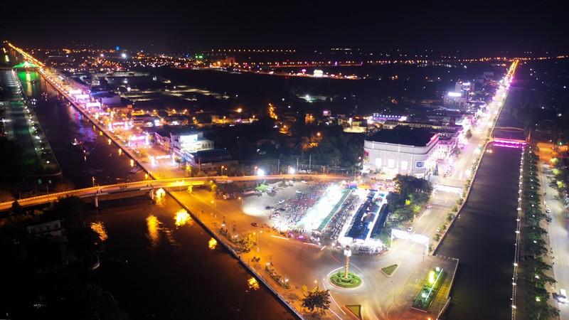 Hậu Giang lập đề án phát triển kinh tế ban đêm - ảnh 1