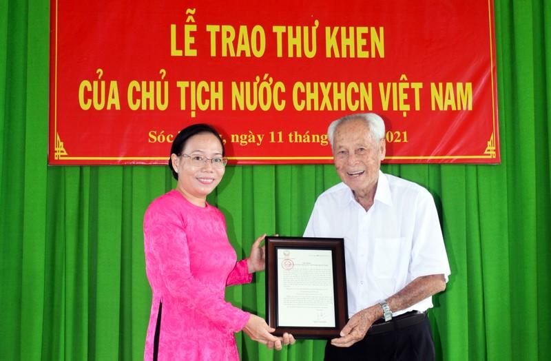 Chủ tịch nước gửi thư khen cụ ông 98 tuổi ở Sóc Trăng  - ảnh 1