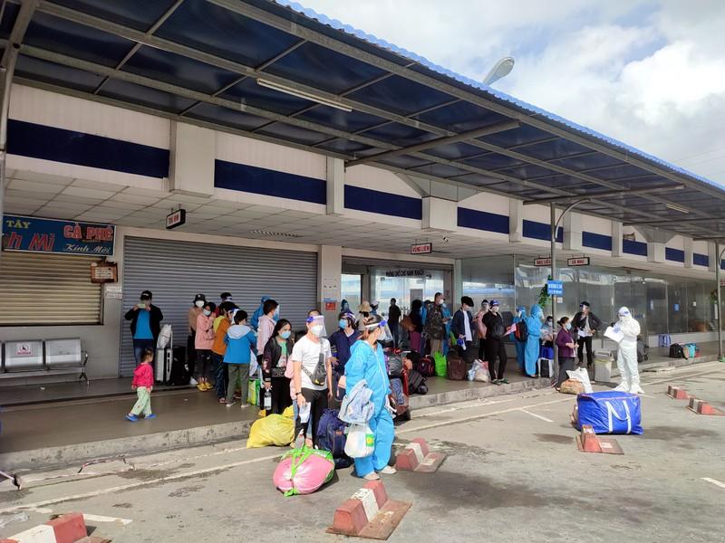 Hậu Giang tiếp tục đón 138 công dân từ TP.HCM về quê  - ảnh 2
