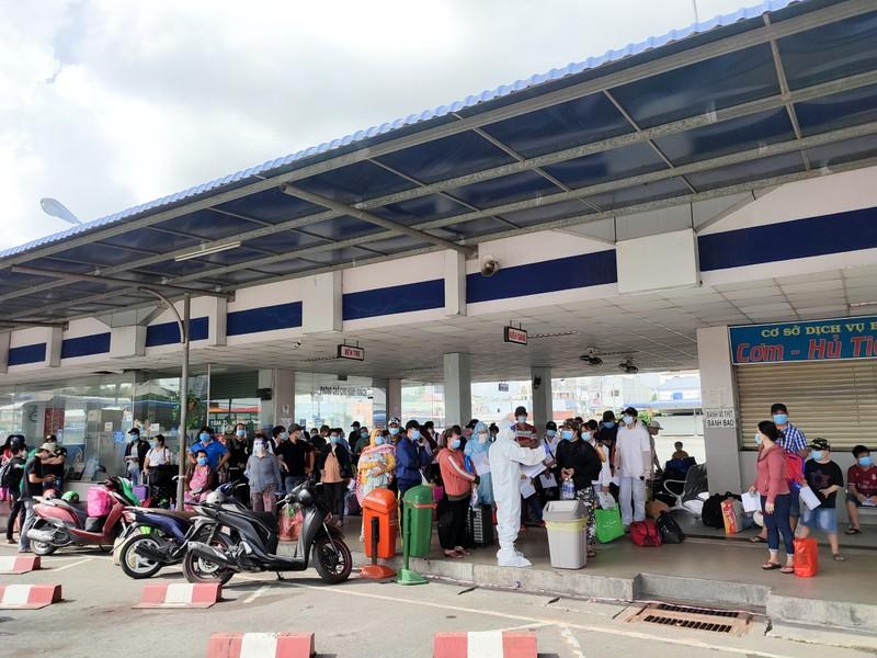 Hậu Giang tiếp tục đón 138 công dân từ TP.HCM về quê  - ảnh 1