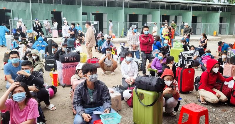 Kiên Giang tổ chức đoàn đón gần 400 công dân về quê - ảnh 1