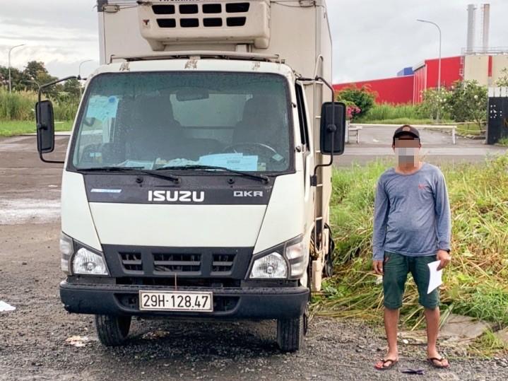Hậu Giang lại phát hiện xe tải luồng xanh chở người từ vùng dịch về - ảnh 1