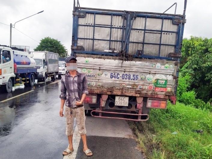 Hậu Giang lại phát hiện xe tải luồng xanh chở người từ vùng dịch về - ảnh 2
