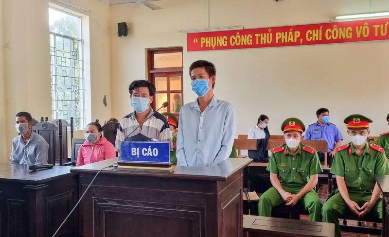 2 người ở Kiên Giang đánh tổ phòng chống dịch vì bênh người thân - ảnh 1