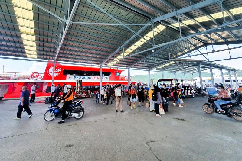 Kiên Giang bắt đầu thí điểm vận tải hành khách nội tỉnh từ 15-10 - ảnh 1