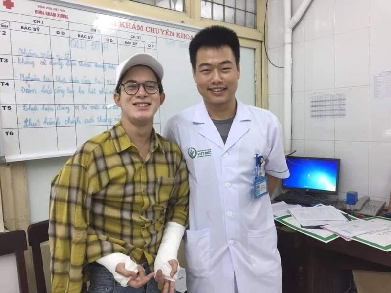 Bảo trong 'Về nhà đi con' nhập viện Việt Đức vì ngã cầu thang - ảnh 1
